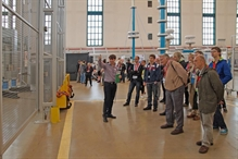 During a tour of the factory, HIGHVOLT was proud to inform its guests about a number of recent investments. Following completion of a new production hall in 2013 and extensive modernization measures in the high voltage test hall in 2014, HIGHVOLT has this year turned attention to a thorough renovation of the western facade of the hall. Erected over 60 years ago, the hall is a prominent Dresden landmark. It is considered a milestone of industrial architecture and is thus rightfully protected under a monument preservation order.