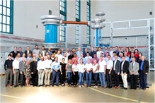 One highlight of the meeting was – as always – a tour of the company, during which a souvenir photo was taken together with HIGHVOLT staff.